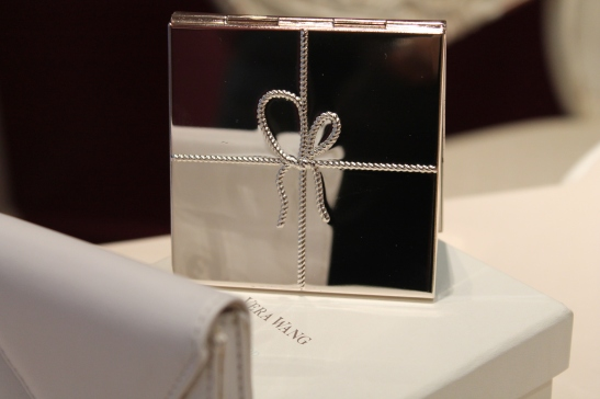 Eternity Jewellers: Gorgeous Vera Wang Love Knot compact mirror, with leather envelope sleeve, only £17.50 in the sale.